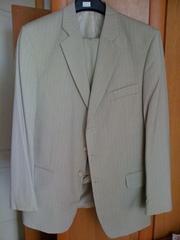 Продам свадебный или выпускной светлый костюм
